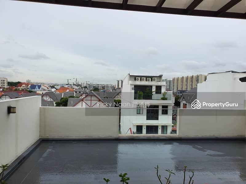 Freehold Inter Terrace near Kovan MRT #129952289