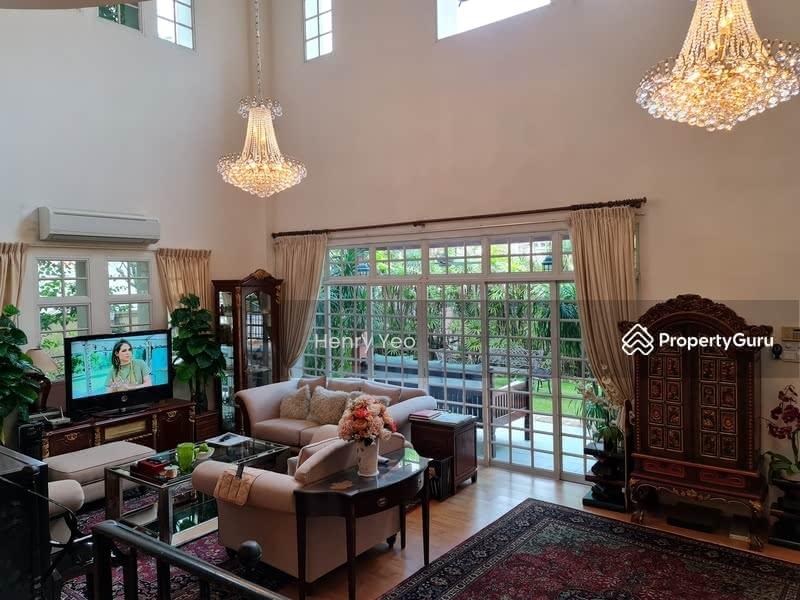 Beautiful 3 Storey Semi-D @Kew Height #129970507