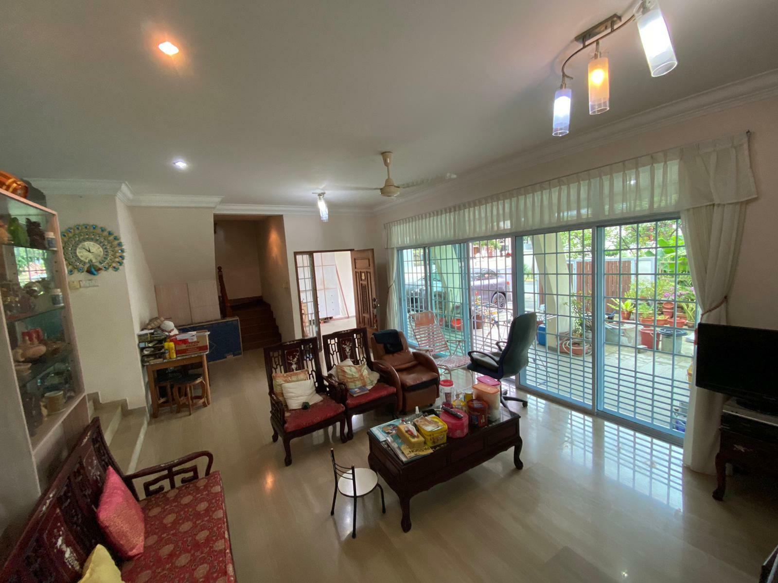 Jalan Lapang #129985705