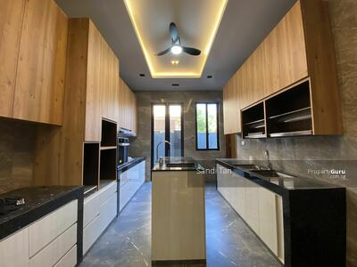 For Sale - Brand New 3. 5storey , 9 bedrooms with lift and pool
