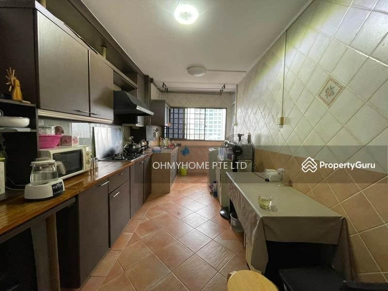 130 Bukit Batok West Avenue 6 #130086043