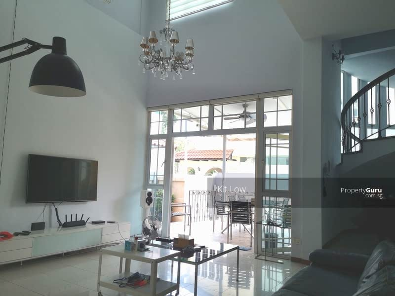Semi-Detached House in Lucky Heights Vicinity #130104517