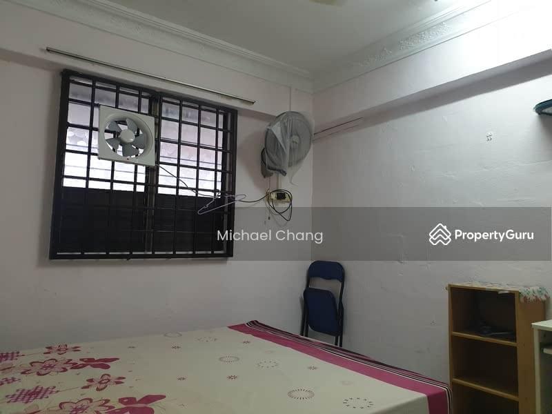 481 Jurong West Street 41 #130111837