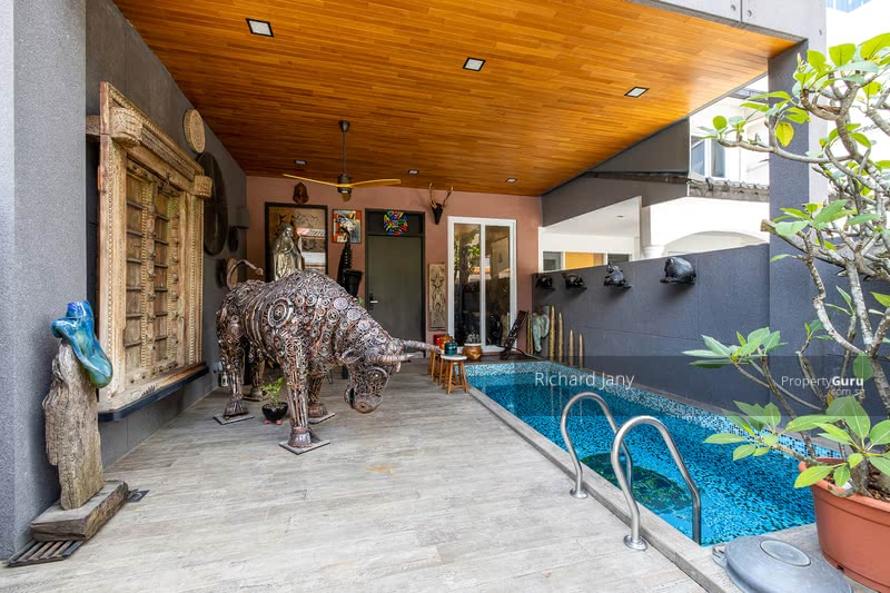 For Sale - Jalan Novena Selatan Built 2018 with MRT access Quiet Freehold Modern 6 Rooms 6 Baths Lift & Pool