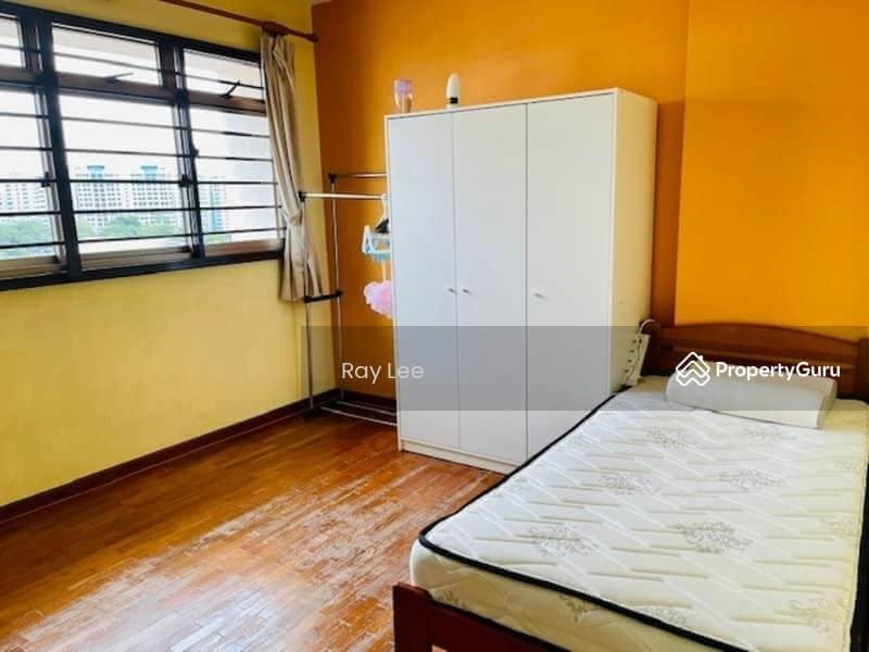 675B Jurong West Street 64 #130296605