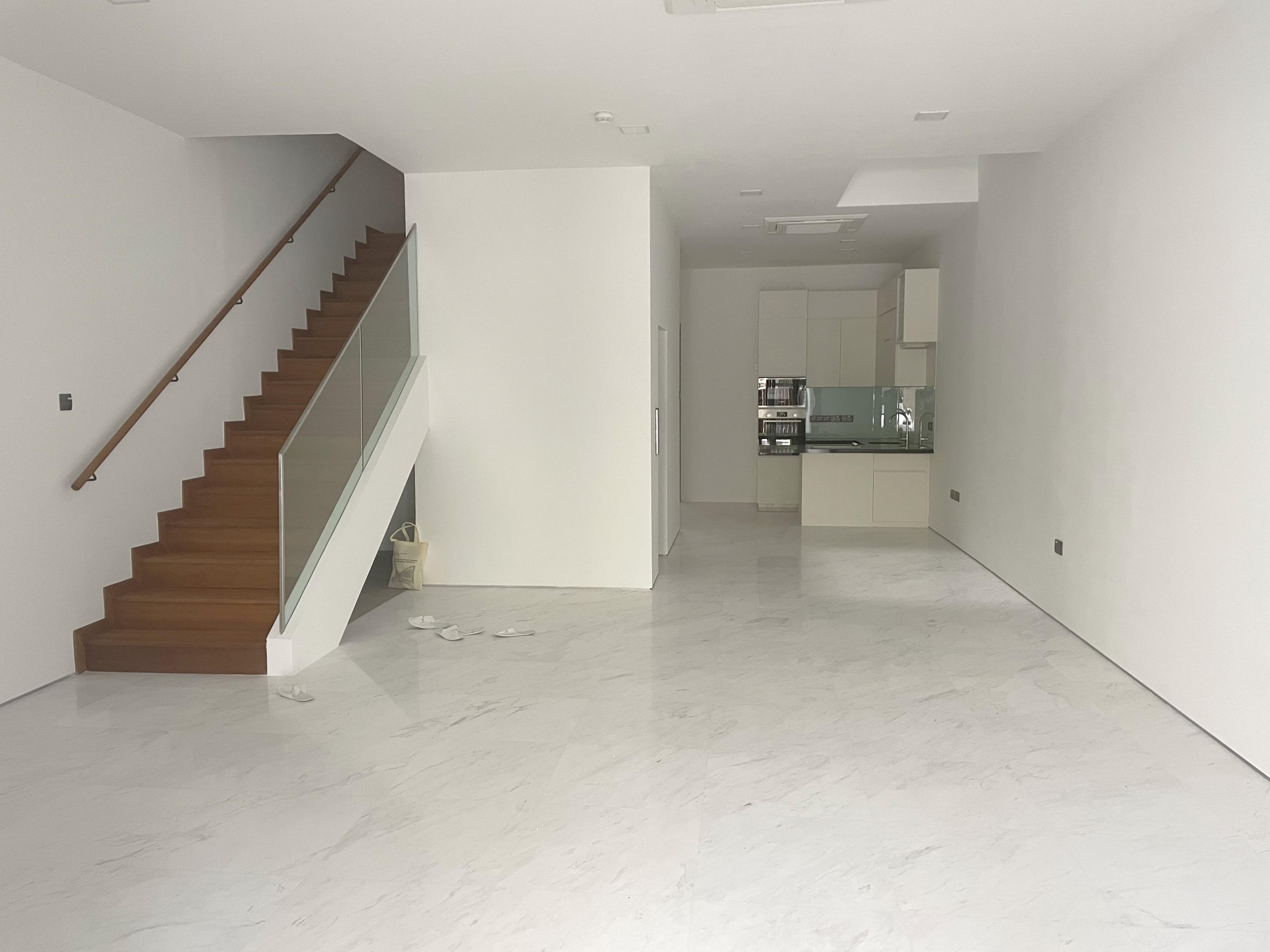 Simon lane Terrace Near Kovan MRT #130303213