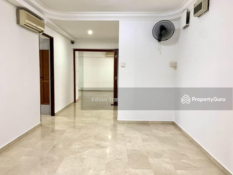 698D Hougang Street 52 #130308271