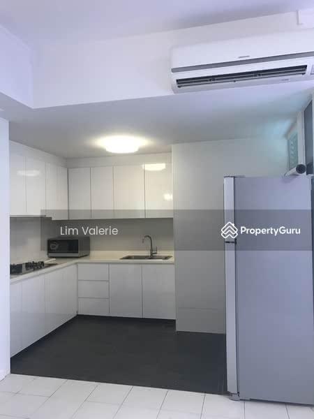 Semi-enclosed Kitchen