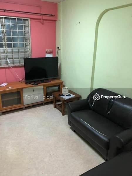 304 Jurong East Street 32 #130313111