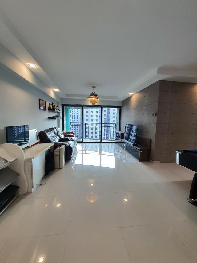 685A Jurong West Street 64 #130501037