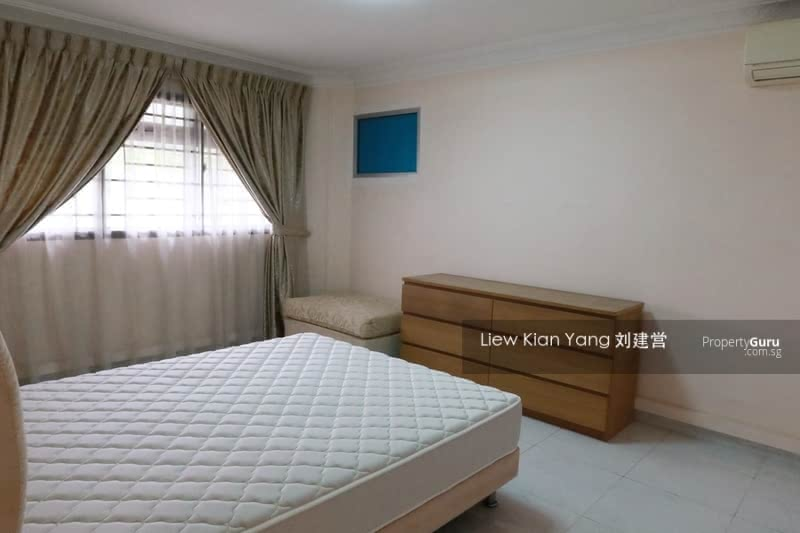 239 Jurong East Street 21 #130344257