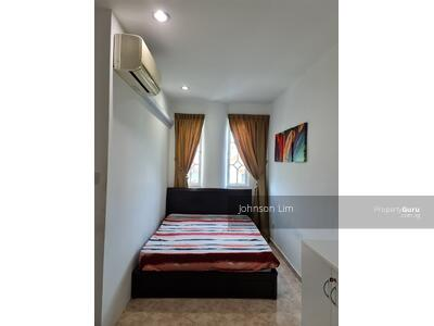 For Rent - Master Room In Terrace House @Cactus Road