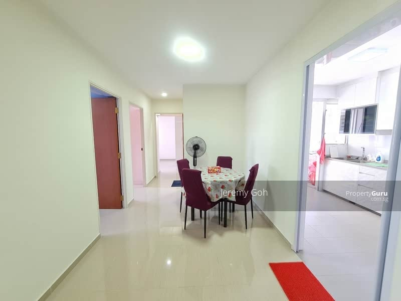 879A Tampines Avenue 8 #130348207