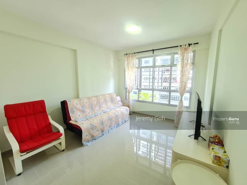 879A Tampines Avenue 8 #130348209