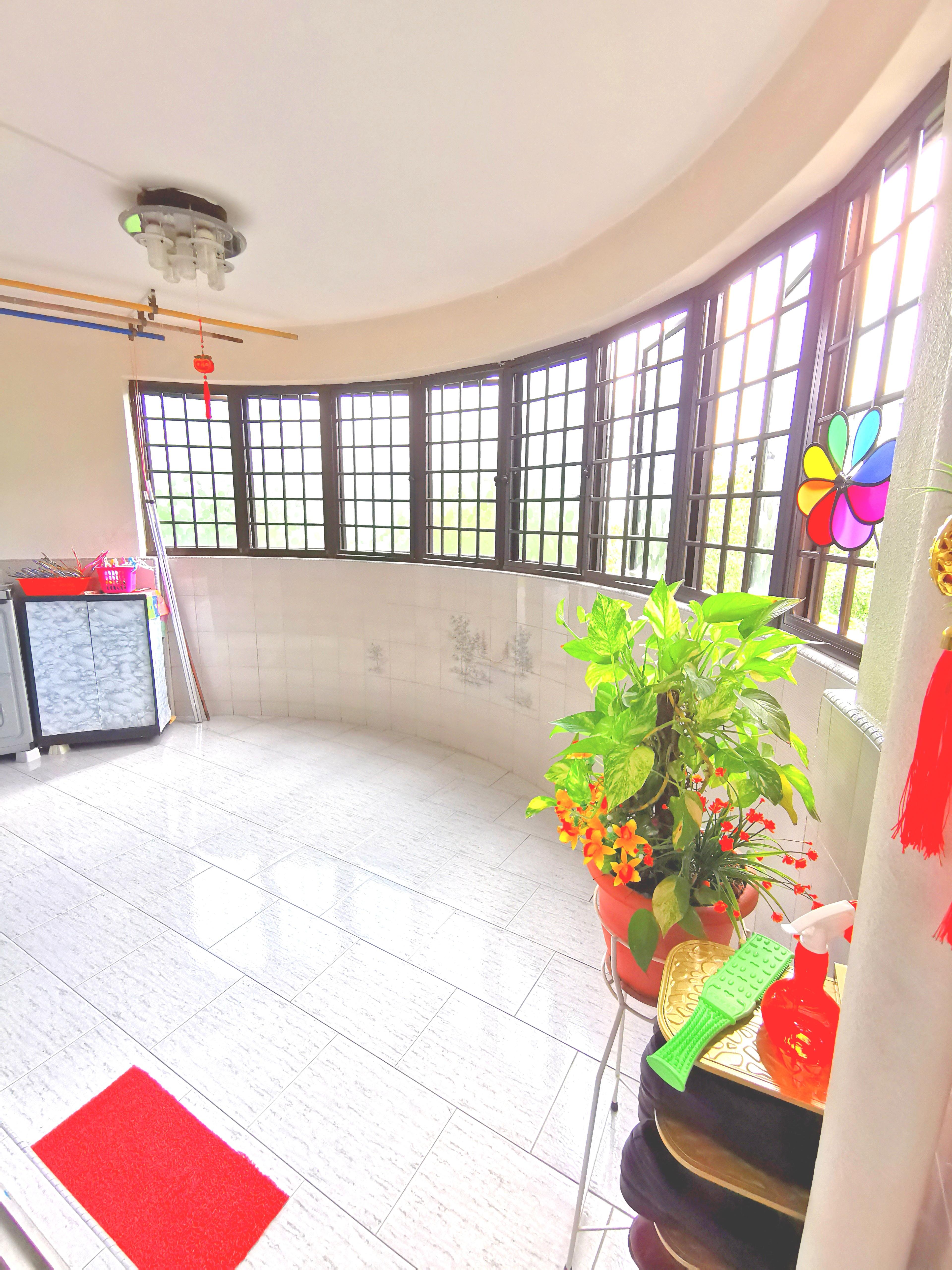 657 Hougang Avenue 8 #130504911