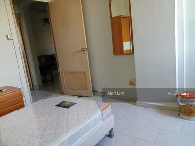 For Rent - 227 Simei Street 4