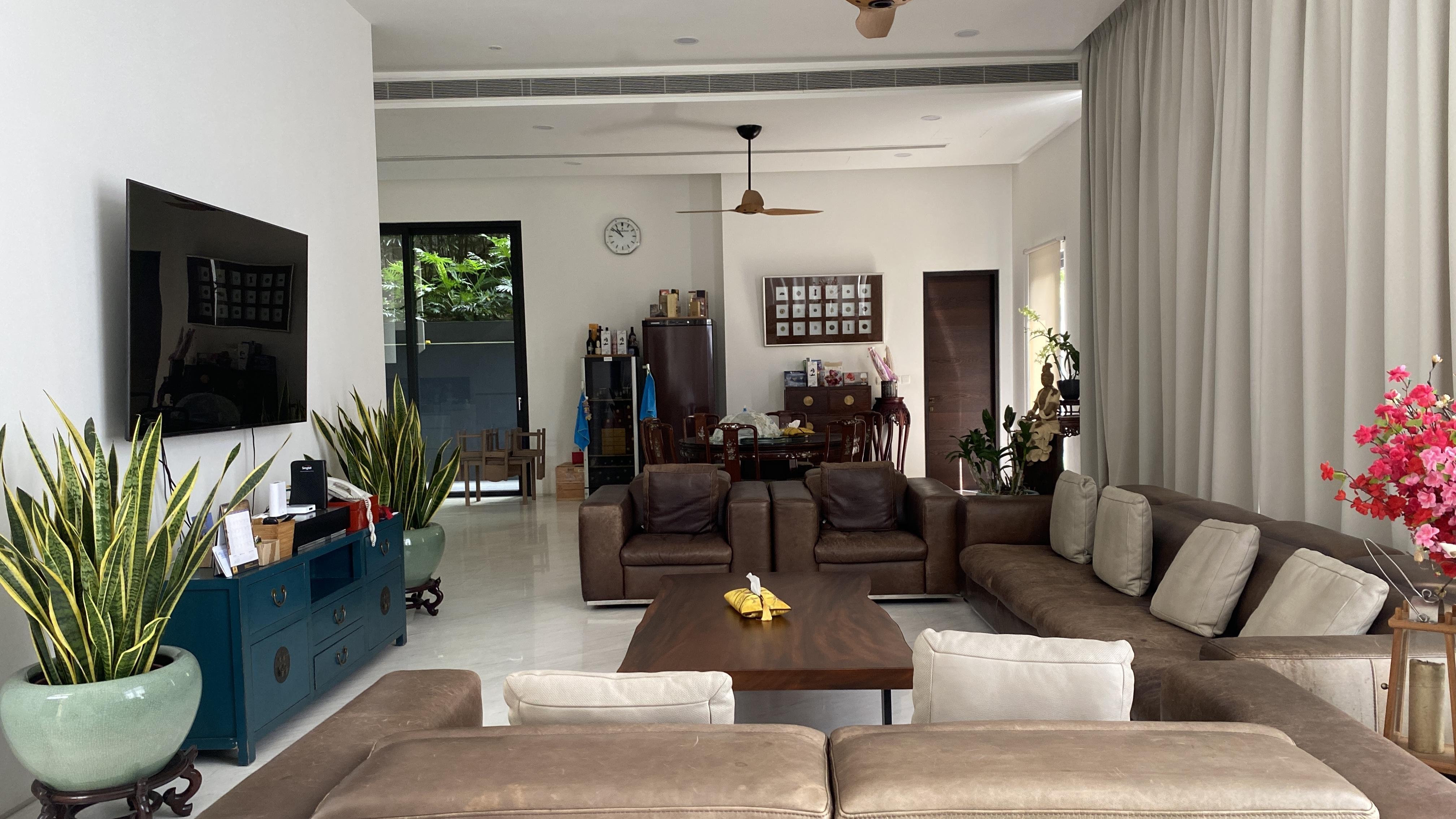 Raffles Park Modern Bungalow House #130567603