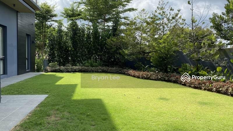 Raffles Park Modern Bungalow House #130567611