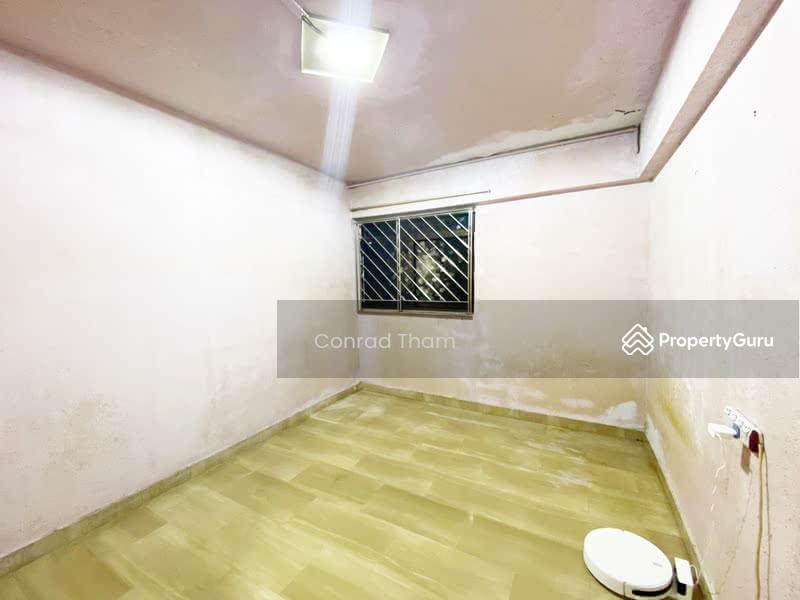 701 Hougang Avenue 2 #130702675
