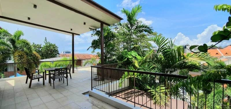 For Sale - COMMANDING HILLTOP VIEW HOUSE! District 15 Linked Bungalow $6. xM! Pack luggage and move in!