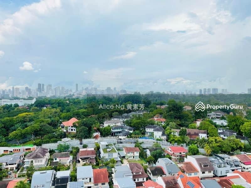 Rare unblocked views of Botanic Gardens and city skyline