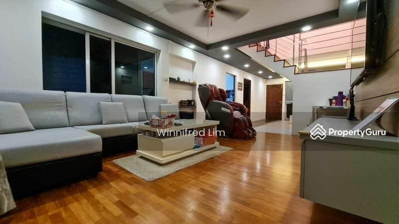 446 Hougang Avenue 8 #130905381