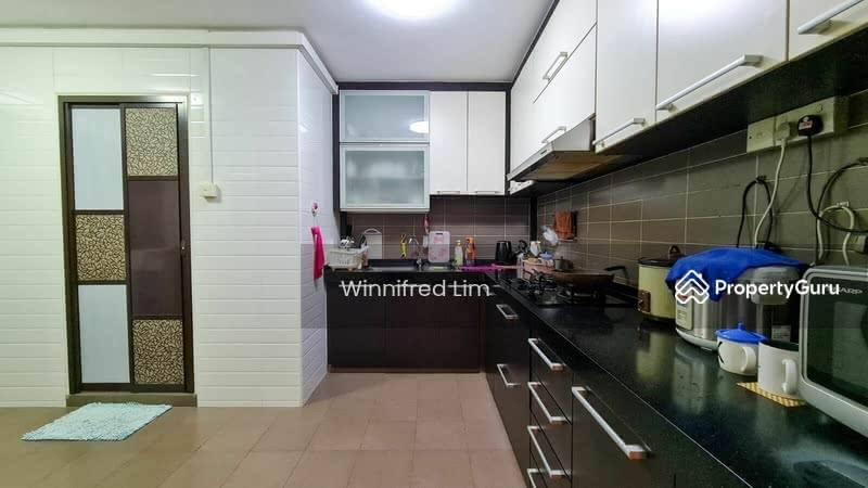 446 Hougang Avenue 8 #130905393