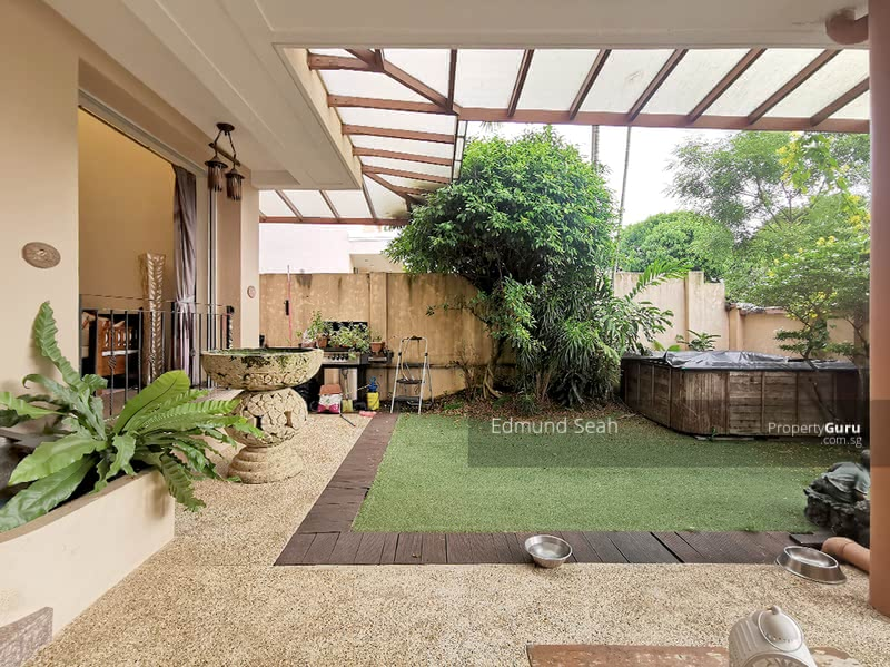 ★ Lovingly Maintained 3sty Corner-Terrace ★ Freehold ★ #130968837