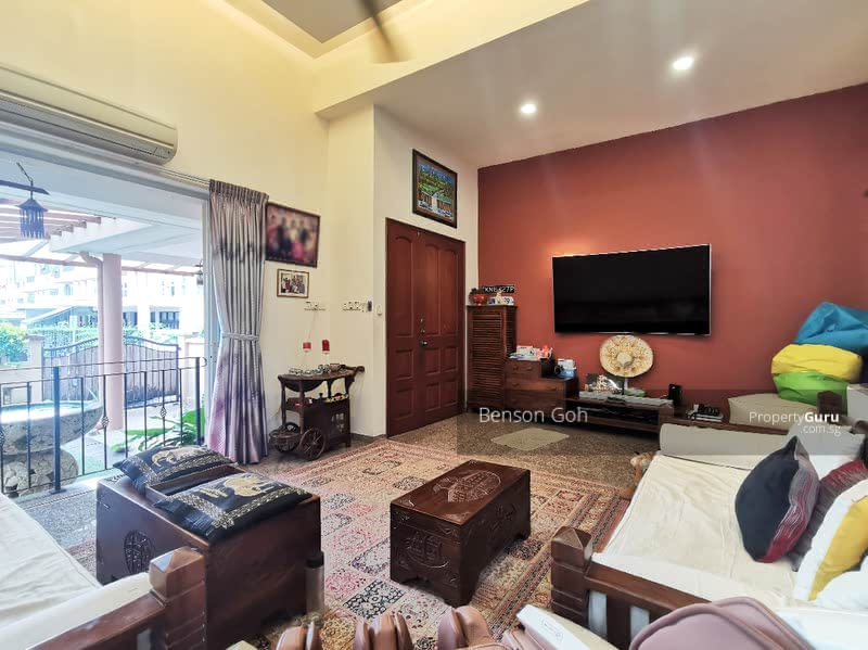 ★ Lovingly Maintained 3sty Corner-Terrace ★ Freehold ★ #130968909