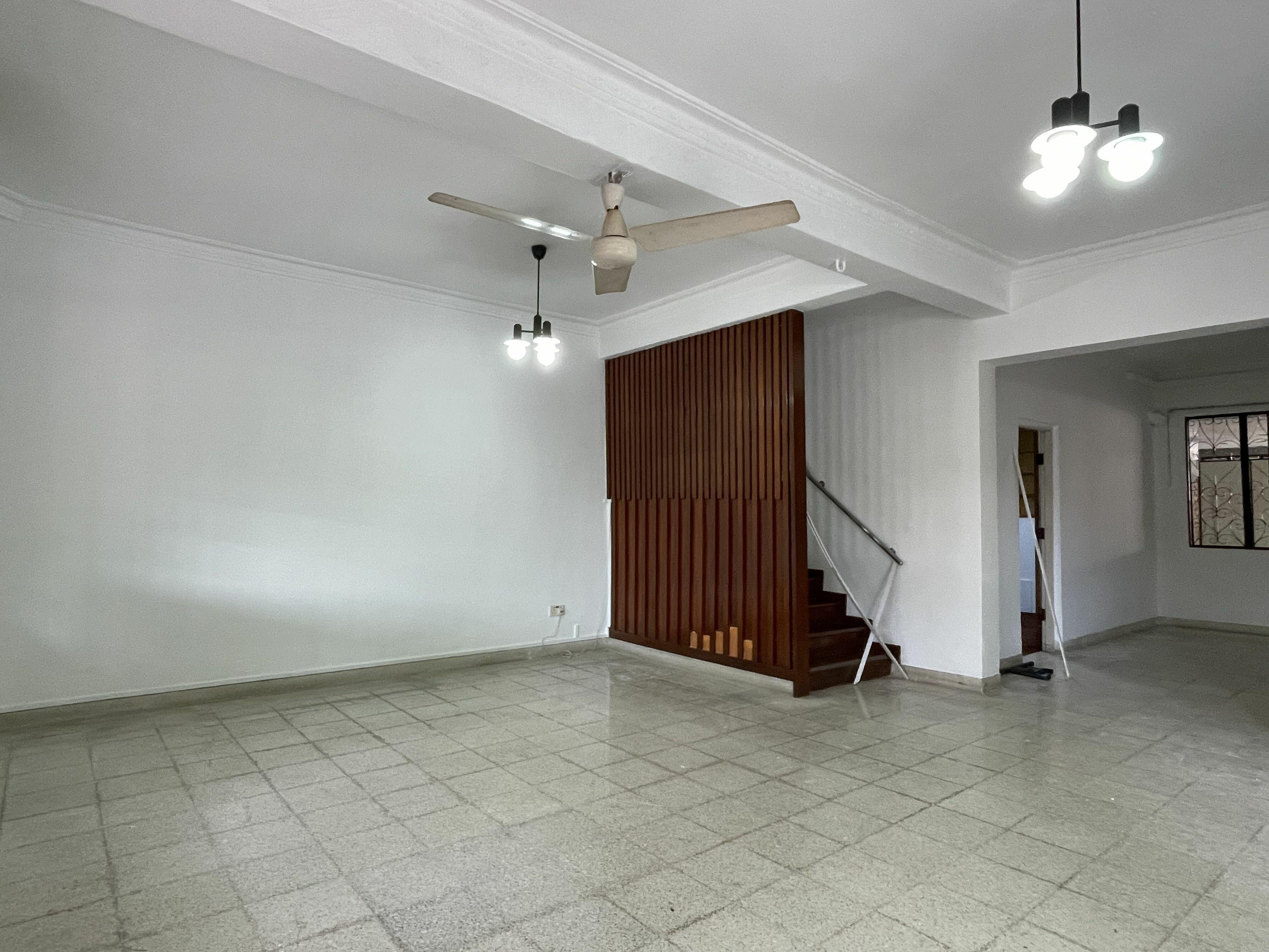 Potong pasir landed estate for rental, big land compound, walk to mrt #131084469