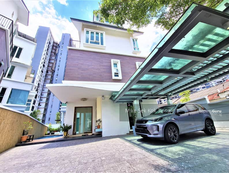 For Sale - 3. 5 Storey Detached House - 999 Years - Park 04 Cars - 7+1 - Lift - Solar Panel