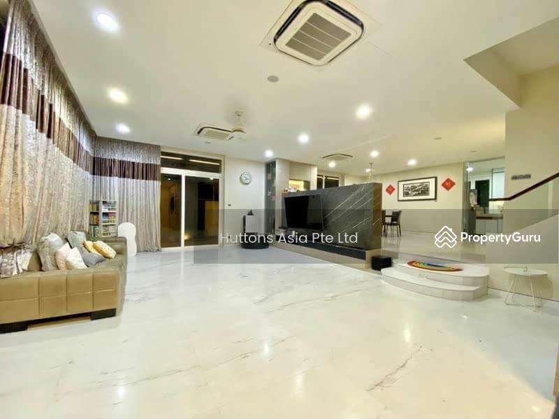 Spacious Lifestyle Living in Modern Elegant Semi-D House. Call Paulyne @ 97375357 #131330827