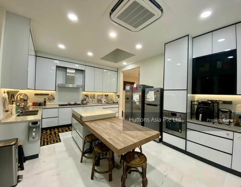 Spacious Lifestyle Living in Modern Elegant Semi-D House. Call Paulyne @ 97375357 #131330833