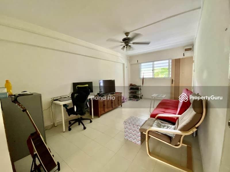 671 Hougang Avenue 8 #131637443