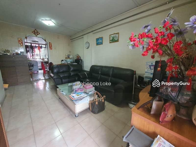 631 Hougang Avenue 8 #131442219