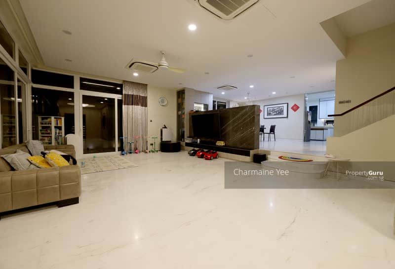 For Sale - Rarely Available. Mins Walk to Botanic Garden and MRT