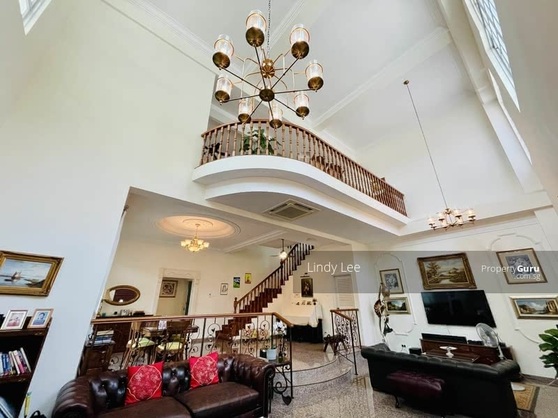 For Sale - Priced to sell Semi Detached near 2 MRT lines!