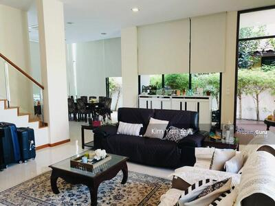 For Sale - Modern Bungalow with pool & 6 Bedrooms near to CHIJ St Nicholas Girls' School and Mayflower MRT