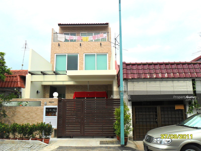 Casuarina road single storey terrace house casuarina road for Terrace house reality show