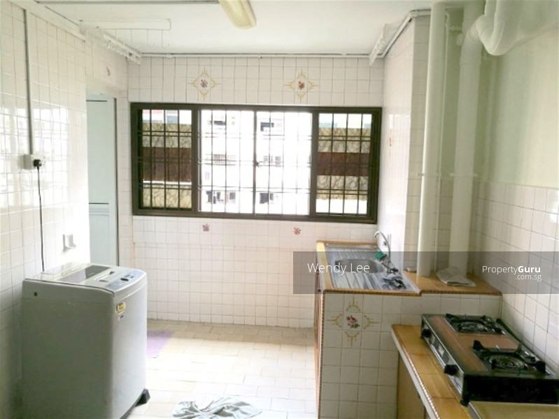 456 jurong west street 41 456 jurong west street 41 2 Master bedroom for rent in jurong west