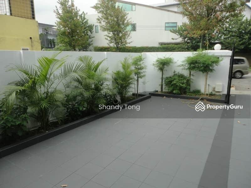 Serangoon Garden Way #33644213