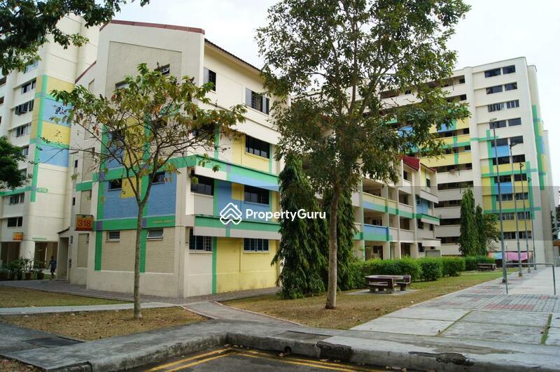 318 Hougang Avenue 5 #0