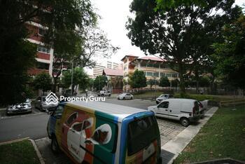 217 Jurong East Street 21