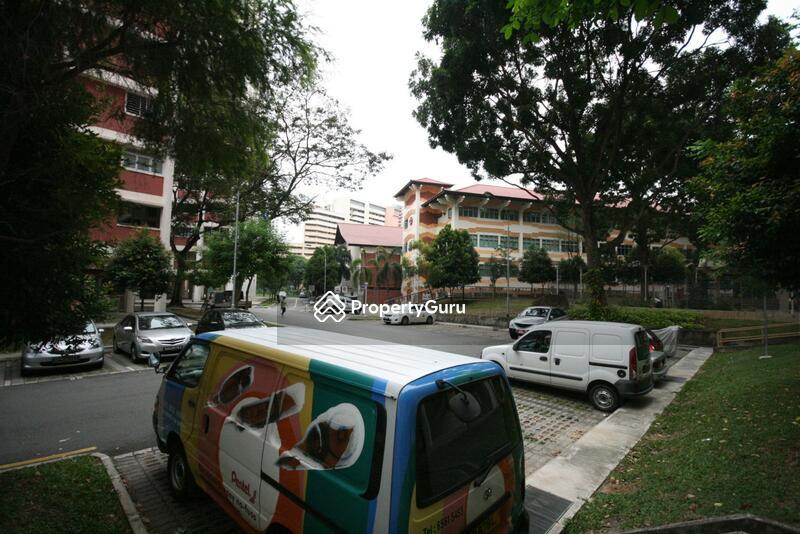 218 Jurong East Street 21 #0
