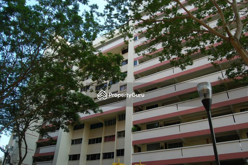878 Tampines Avenue 8 #0