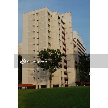 877 Tampines Street 84