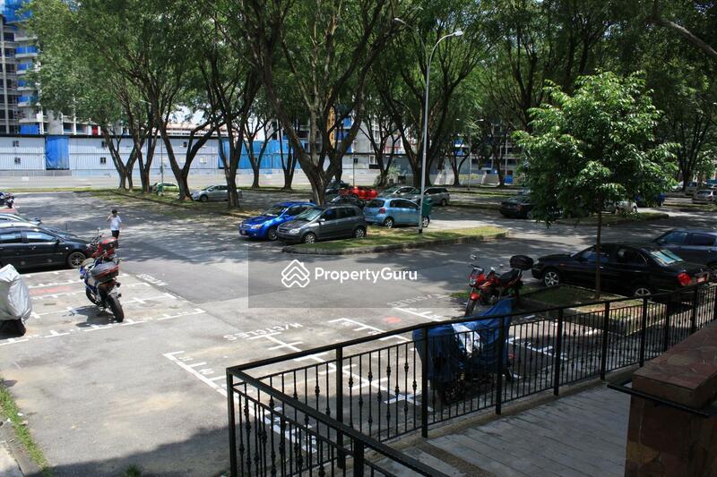584 Ang Mo Kio Avenue 3 #0
