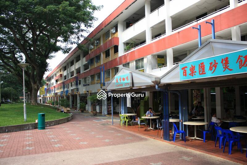 728 Ang Mo Kio Avenue 6 #0